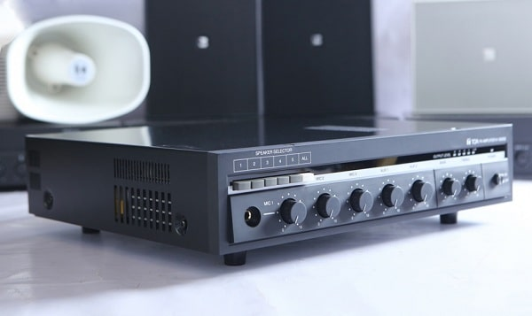 Amply sử dụng trong lắp đặt âm thanh phòng học