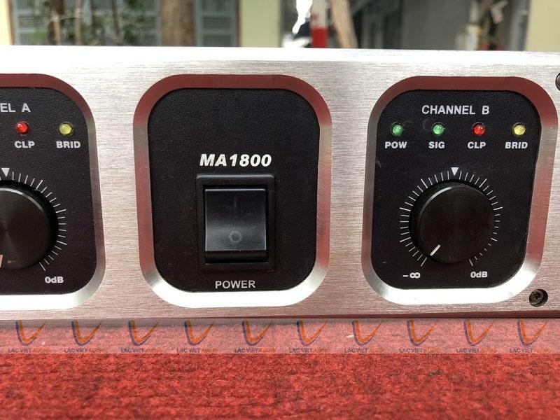 Cục đẩy bãi crown MA 1800 có núm điều chỉnh dẽ sử dụng