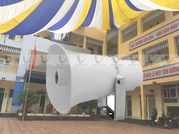 Loa TOA SC-615M được sử dụng cho trường học, nhà xưởng,...